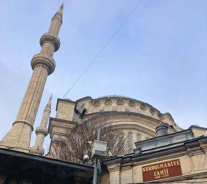 ヌルオスマニエ・モスクの歴史