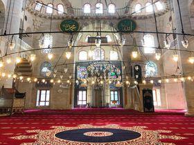 赤と緑のコントラストが美しい!イスタンブールのモスク「クルチ・アリ・パシャ」