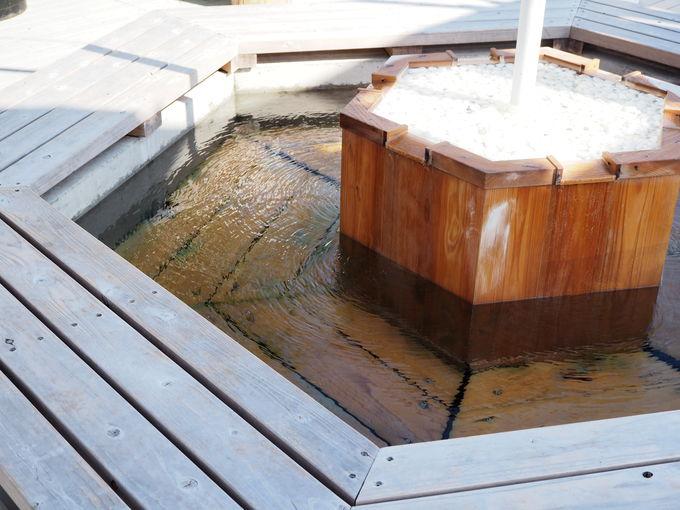 5つの個性的な温泉を楽しむ
