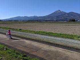 子供も大人も爽快!磐梯山と猪苗代湖の絶景を楽しむサイクリング