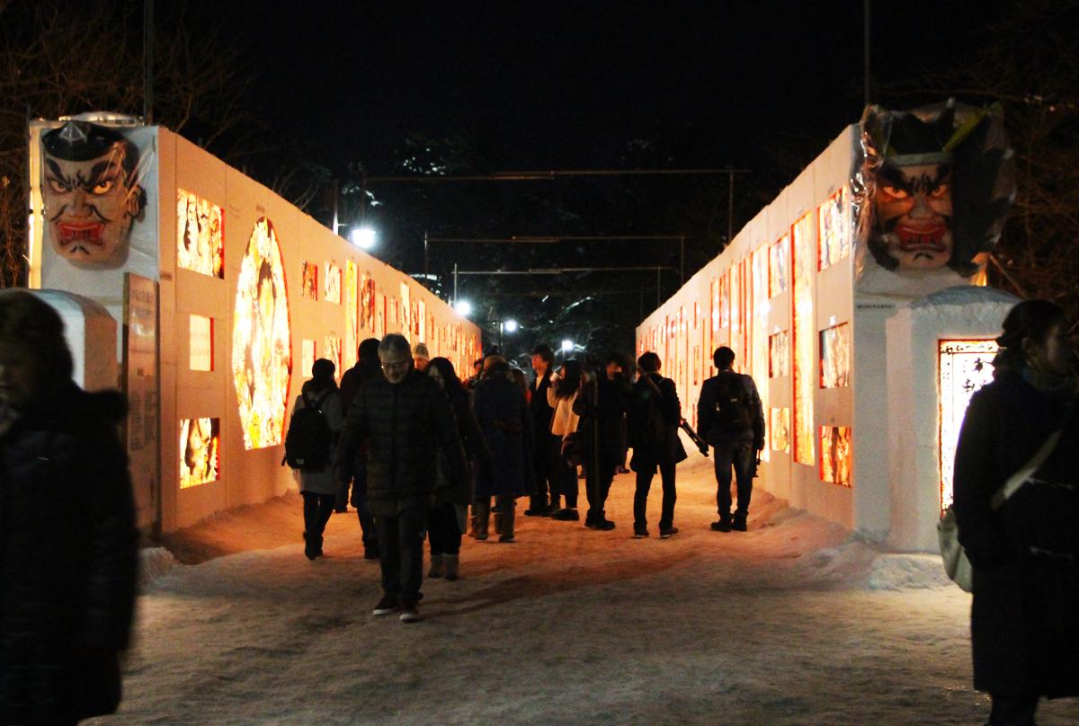 見どころは「津軽錦絵大回廊」!雪像にはプロジェクションマッピングも