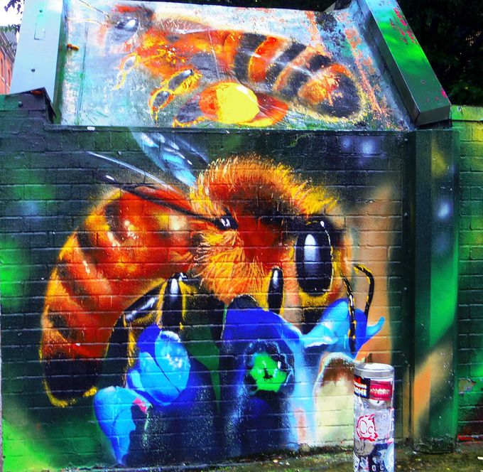 マンチェスターのシンボル「ミツバチ」