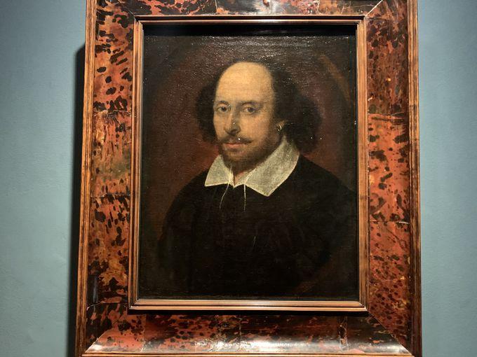 イギリスの歴史上で重要な人物の肖像画