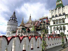 モスクワ「イズマイロボのクレムリン」絵本のような世界でロシア土産を!