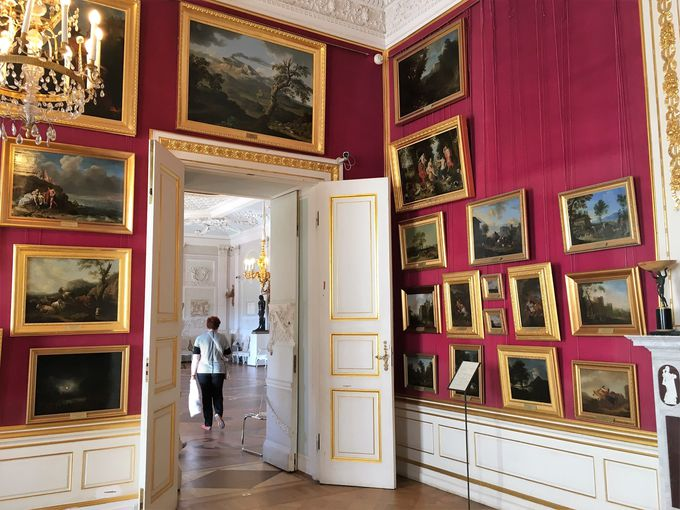 ロマノフ皇帝の夏の邸宅、ガッチナ宮殿!
