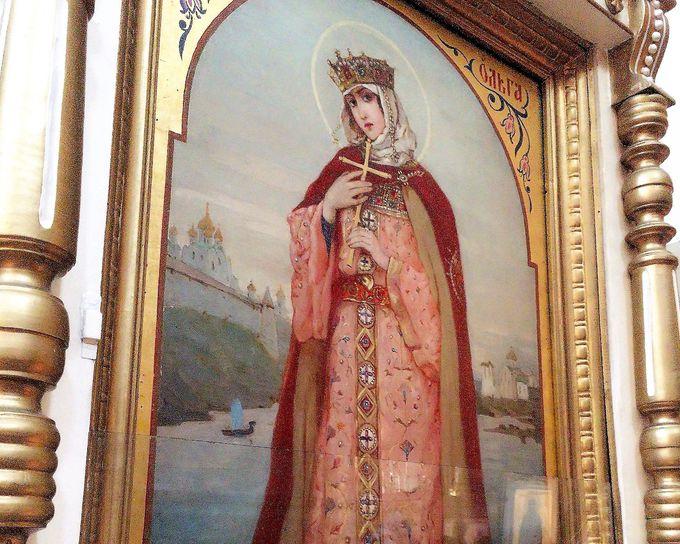 「トロイツキー聖堂」を見学