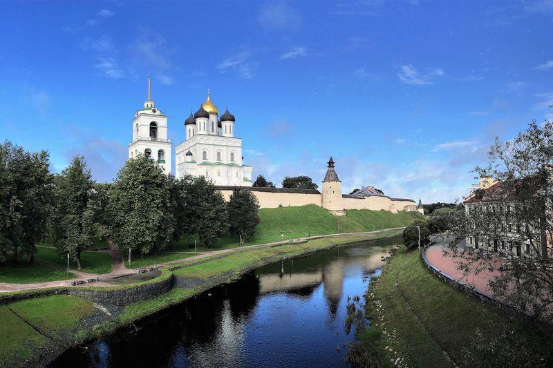クレムリンは息をのむ静かな美しさ!ロシアの古都「プスコフ」