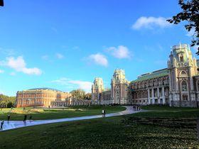 廃墟となったエカテリーナ二世の宮殿!?モスクワ「ツァリーチノ公園」