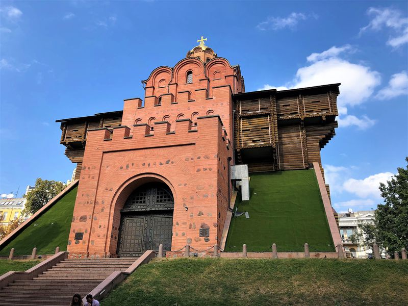 ウクライナ「黄金の門」キエフ大公国時代に思いをはせよう!