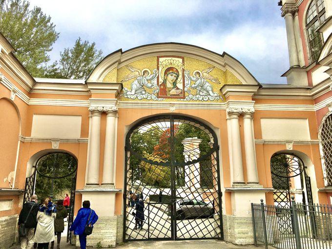 有名人のお墓もある修道院