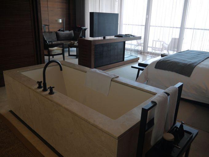 約100平米の広々とした客室で優雅な滞在を