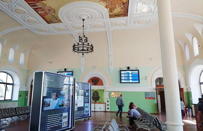 ウラジオストク駅でシベリア鉄道での旅気分を味わう
