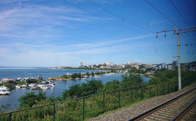 海辺を走るローカル線で行く!ウラジオストクから癒しの半日旅