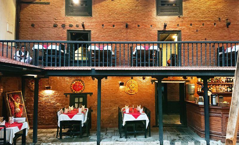 ムードたっぷりの異空間でネパール料理を味わる「タメルハウス」