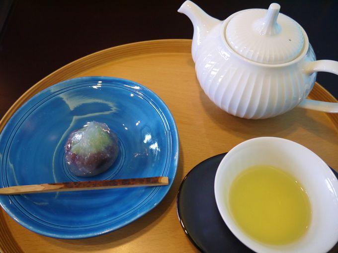 お菓子は末富、お茶は一保堂茶舗