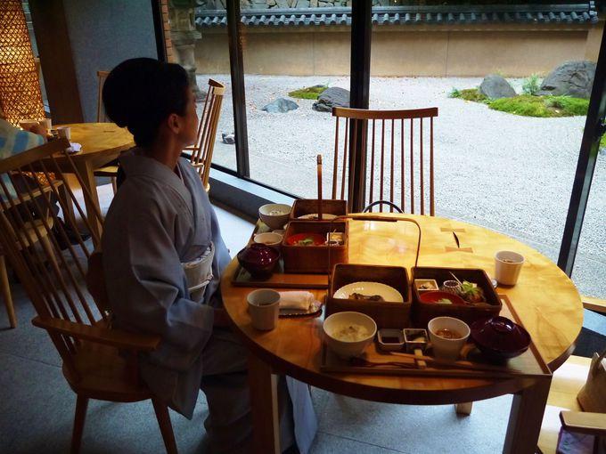 外国からの観光客も、着物姿の人も嬉しいレストラン