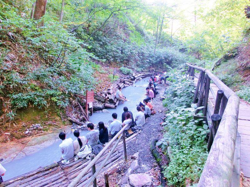 混雑を避けて登別温泉を味わう!散策路奥の大湯沼川天然足湯