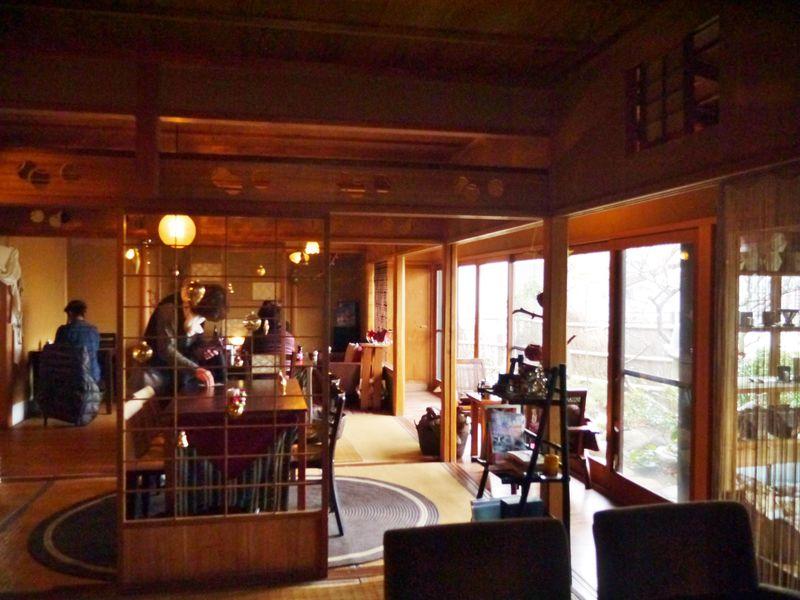 横須賀に遭難覚悟の隠れ家カフェ「ツキコヤ」・海を望む茶室でいただく極上コーヒー!