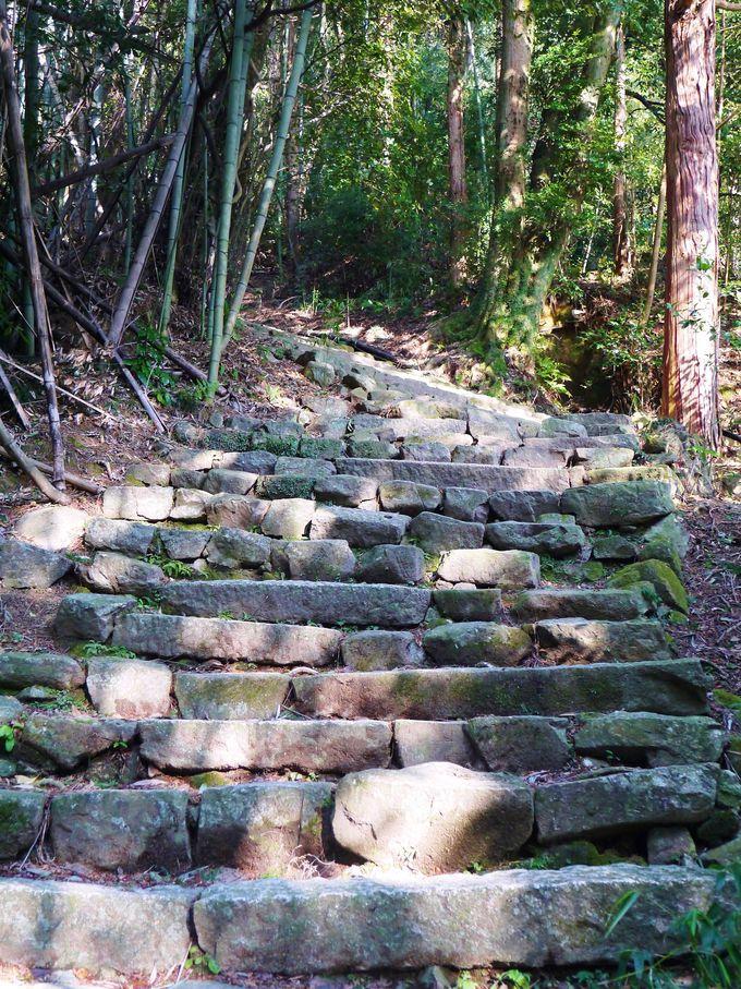 階段ではなく石段