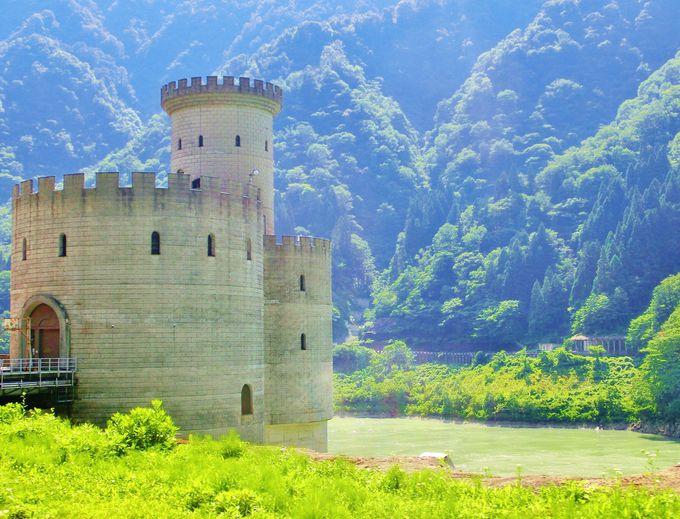 まるで古城!新柳河原発電所