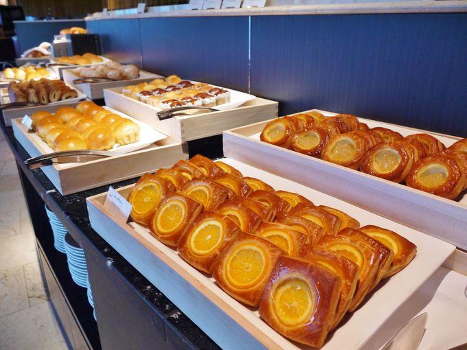 チーズ店とパン屋さんとフルーツショップが一堂に!