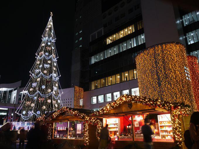 ドイツ・クリスマスマーケット大阪の中央には幸運のツリー