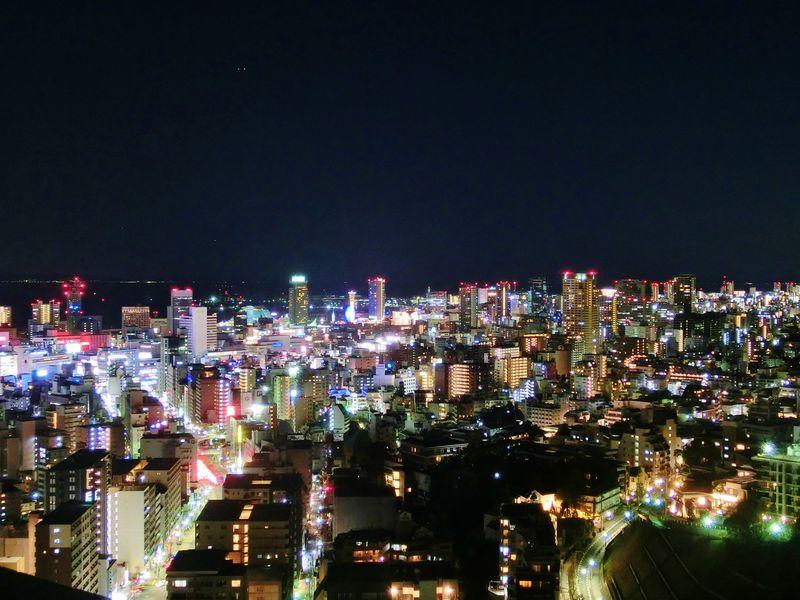 山裾だからこの夜景!新神戸駅直結・ANAクラウンプラザホテル神戸