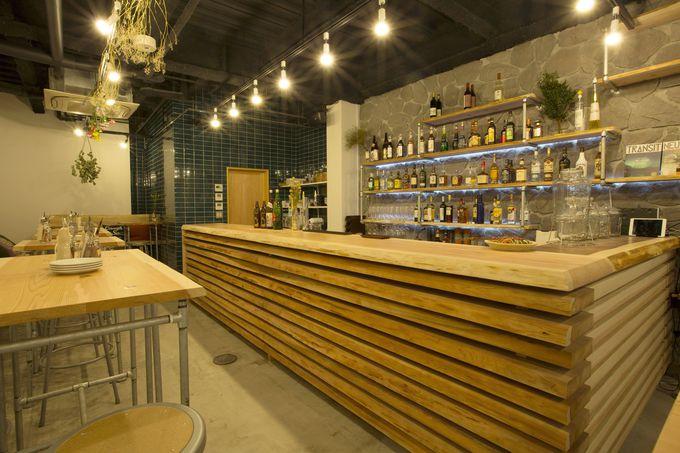 オシャレで開放的なカフェ