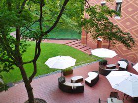 帯広100年の森にエゾリスが住む「森のスパリゾート 北海道ホテル」