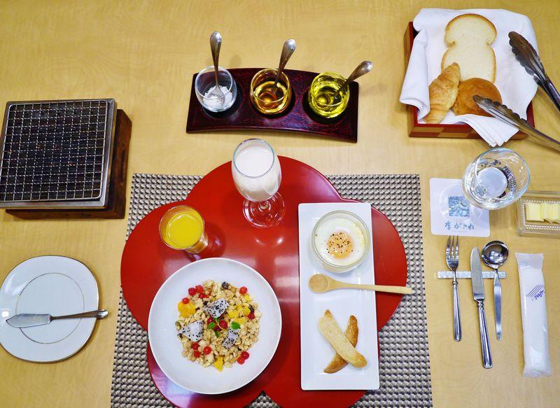 限定10食のセレブの朝食!片山津温泉「季がさね」でモダンステイ