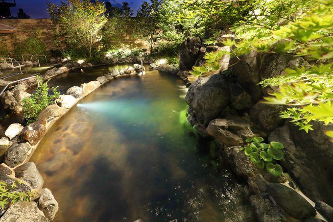 大浴場と岩盤浴・溶岩浴