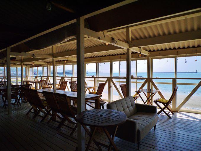 梅津寺海岸に佇む「ブエナビスタ」
