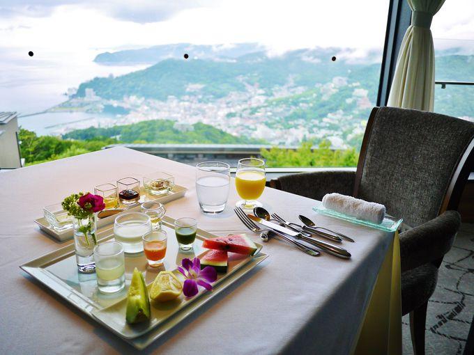 味覚と視覚を刺激する美しい朝食