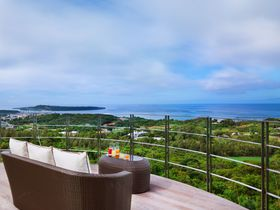 沖縄で敷地丸ごと一棟貸し!「ルカナ モトブ」はシェフ付きの別荘感覚で使える