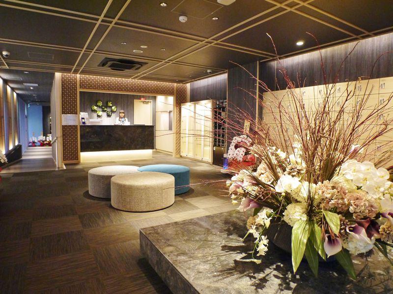 難波駅徒歩1分!「J-SHIP大阪難波」は女性が快適なカプセルホテル