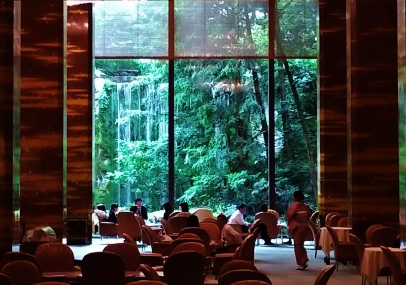 大阪・リーガロイヤルホテル「レディースエリア」が注目の的
