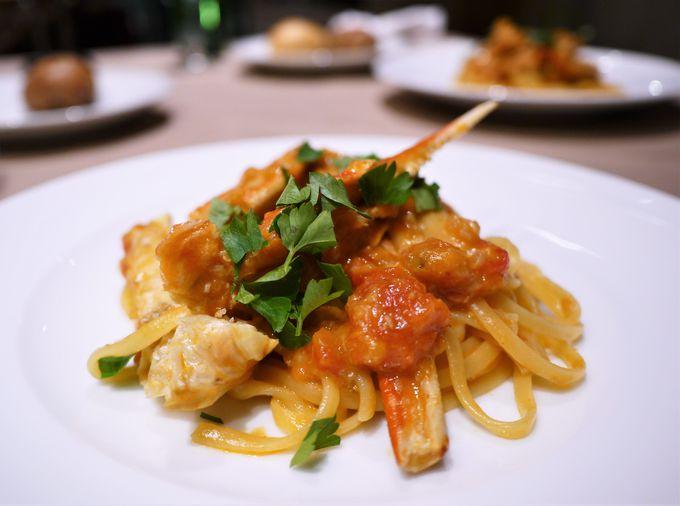 ディナーはイタリアンと3色イチゴのスイーツビュッフェ
