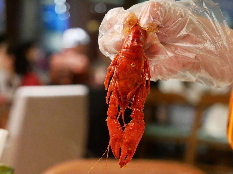 中国で流行のザリガニ料理を「ザ・ポートマン・リッツカールトン上海」で!