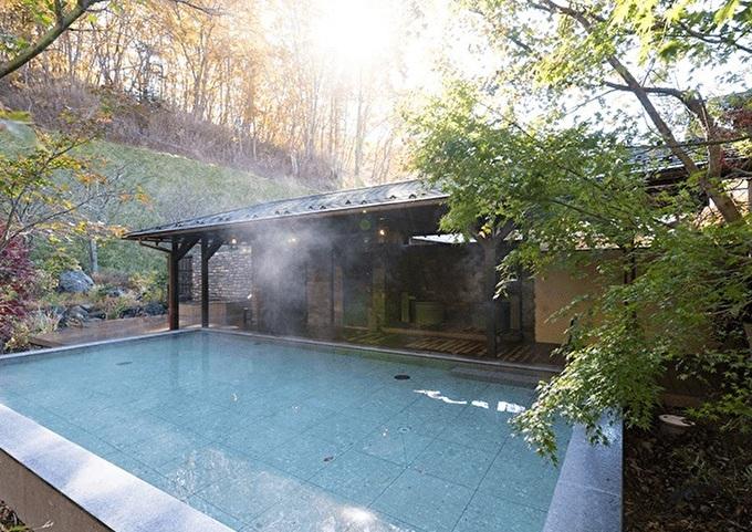 日帰り利用もできる八風温泉と便利な本館大浴場