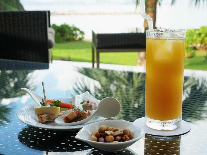 「ザ・テラスクラブ アット ブセナ」は2つの色の海を望む特別なリゾート