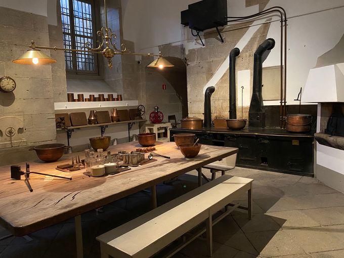 改装されるも厨房の空間は建設当時そのままに