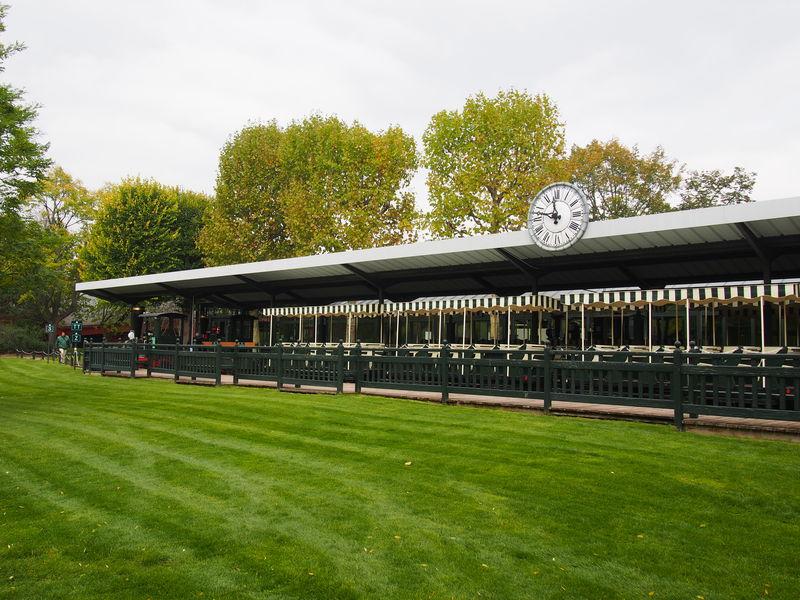 パリにあるハイセンスな遊園地「アクリマタシオン庭園」