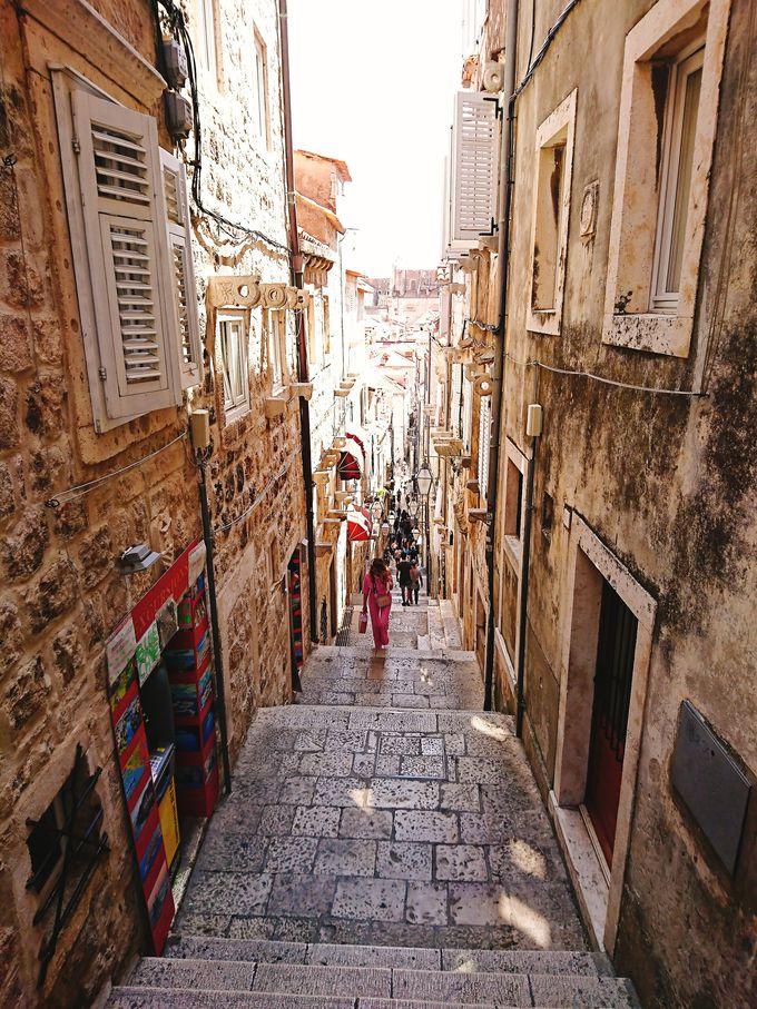 歴史が息づく「旧市街」