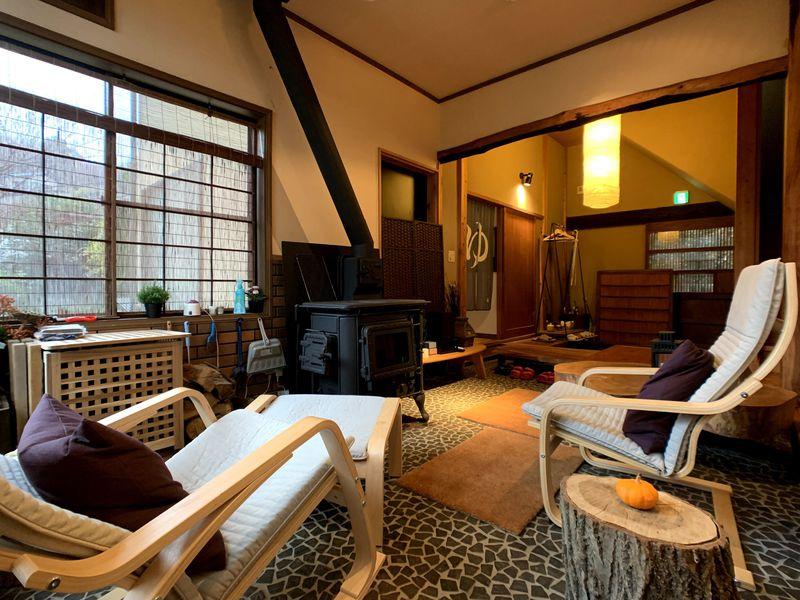 セルフ高級旅館「熱海櫂雲」は温泉・暖炉付のひろびろ貸切宿!