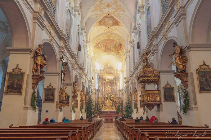 美しいペーター教会の内部