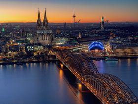 市内を一望!「ケルントライアングル」ケルン大聖堂を望む絶景展望台