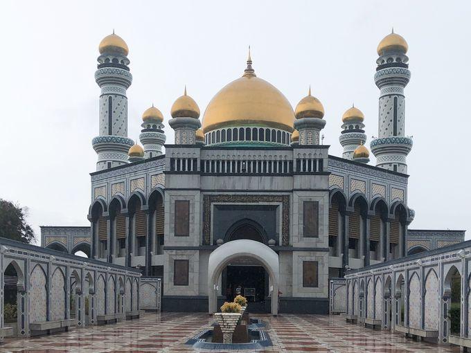 2.ニューモスク(ジャメ・アスル・ハサナル・ボルキア・モスク)