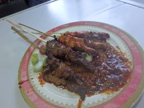 インドネシア・ジャワ島で必食の地元グルメ4選!B級グルメに舌鼓