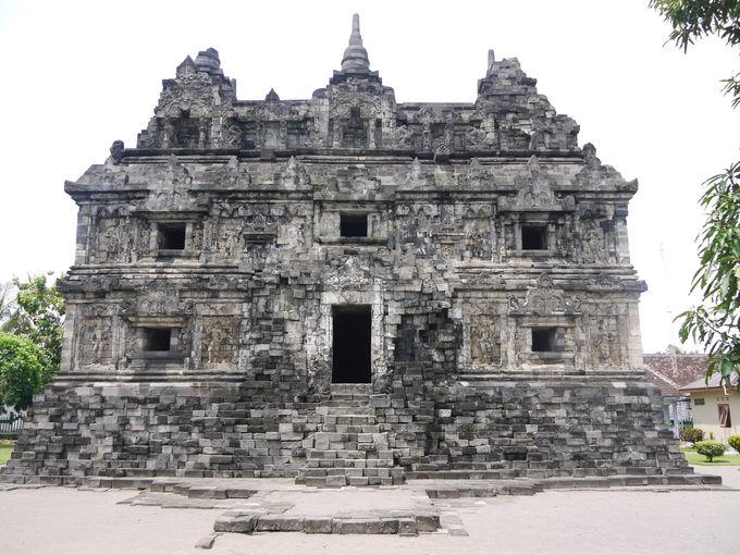 ジャワ仏教文化遺跡「サリ寺院」