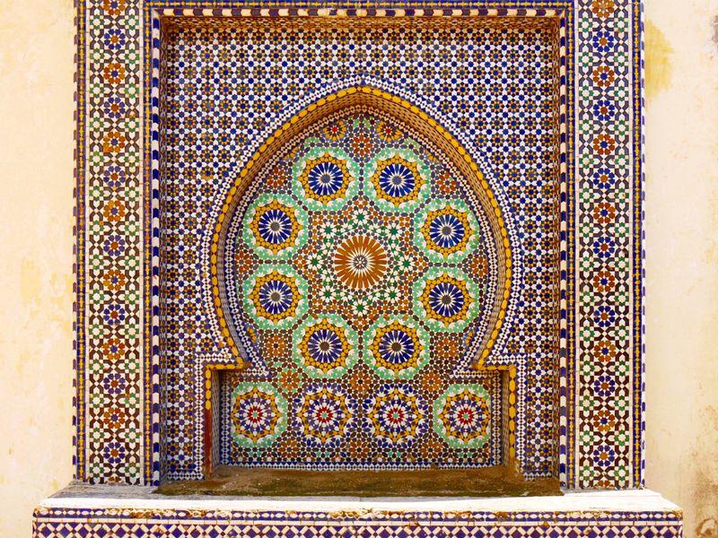モロッコ世界遺産の街・メクネスでモロッカンタイルの魅力に触れよう
